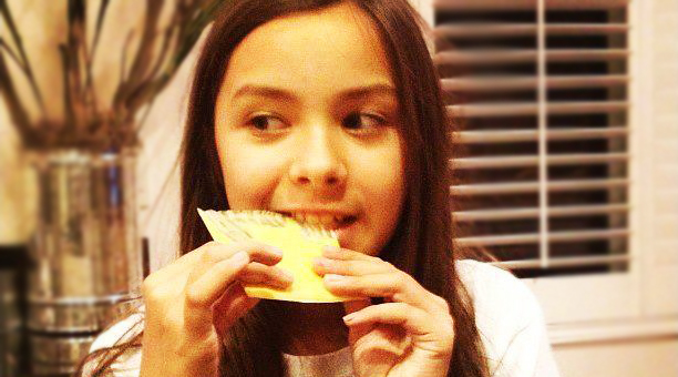 La cantante mexicana Angie Vazquez, vocalista del grupo Los Vazquez Sounds | Ximinia
