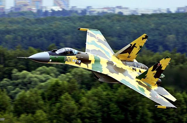 Pesawat Tempur Sukhoi SU-35 Flanker