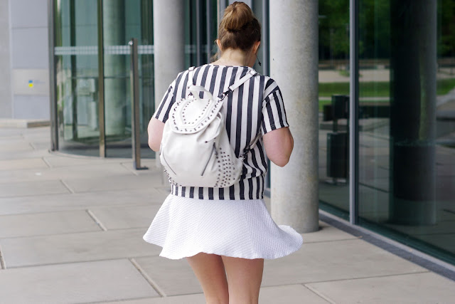 chicnova, darling, stripes, streifen, trend 2013, white textured skirt, azora boots asos, zipper stiefel, river island studded backpack, weißer rucksack mit nieten, blogger, modeblogger, beste deutsche Fashionblogger,