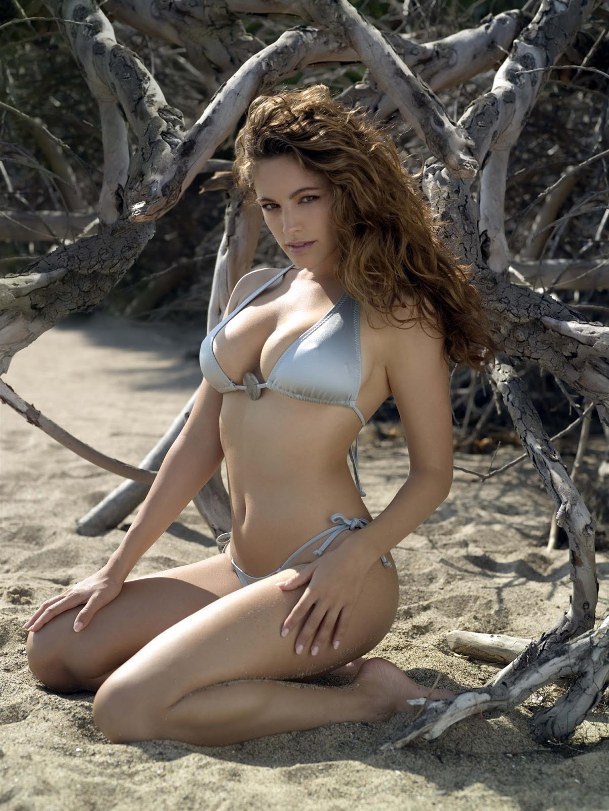 Kelly+Brook+2007+Calendar+11 18 Best Kelly Brook Photos in Swimwear