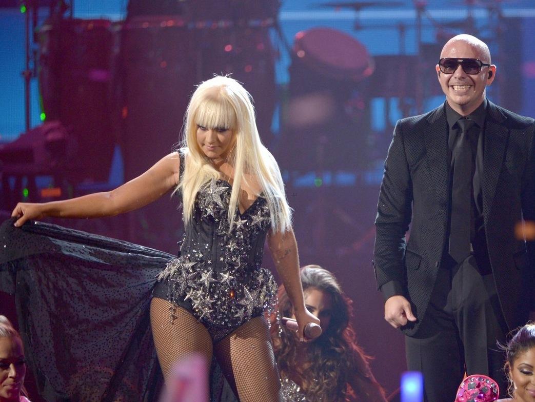 http://4.bp.blogspot.com/-QK-q4Y8W6HI/UUHf-J6oAoI/AAAAAAAANWY/6NQxzHPTYe8/s1600/Christina+Aguilera+And+Pitbull.jpg