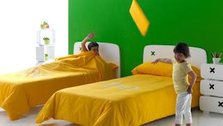 Dua tempat tidur anak