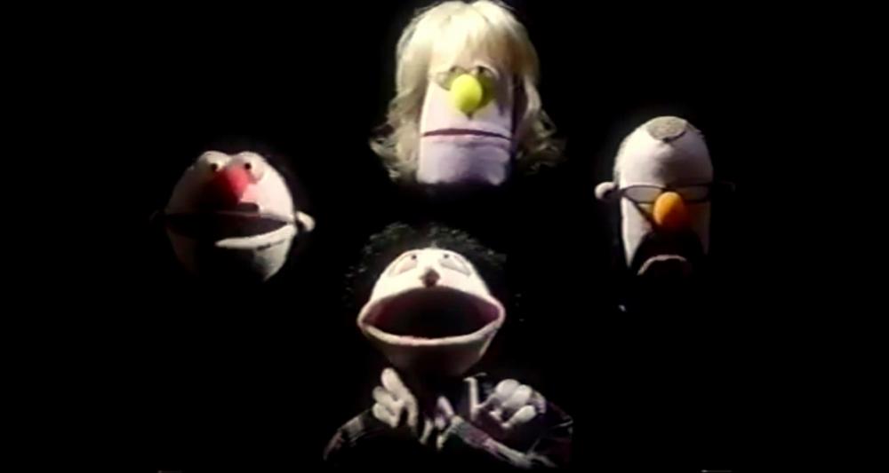Escena del videoclip de Cockroach king del grupo Haken