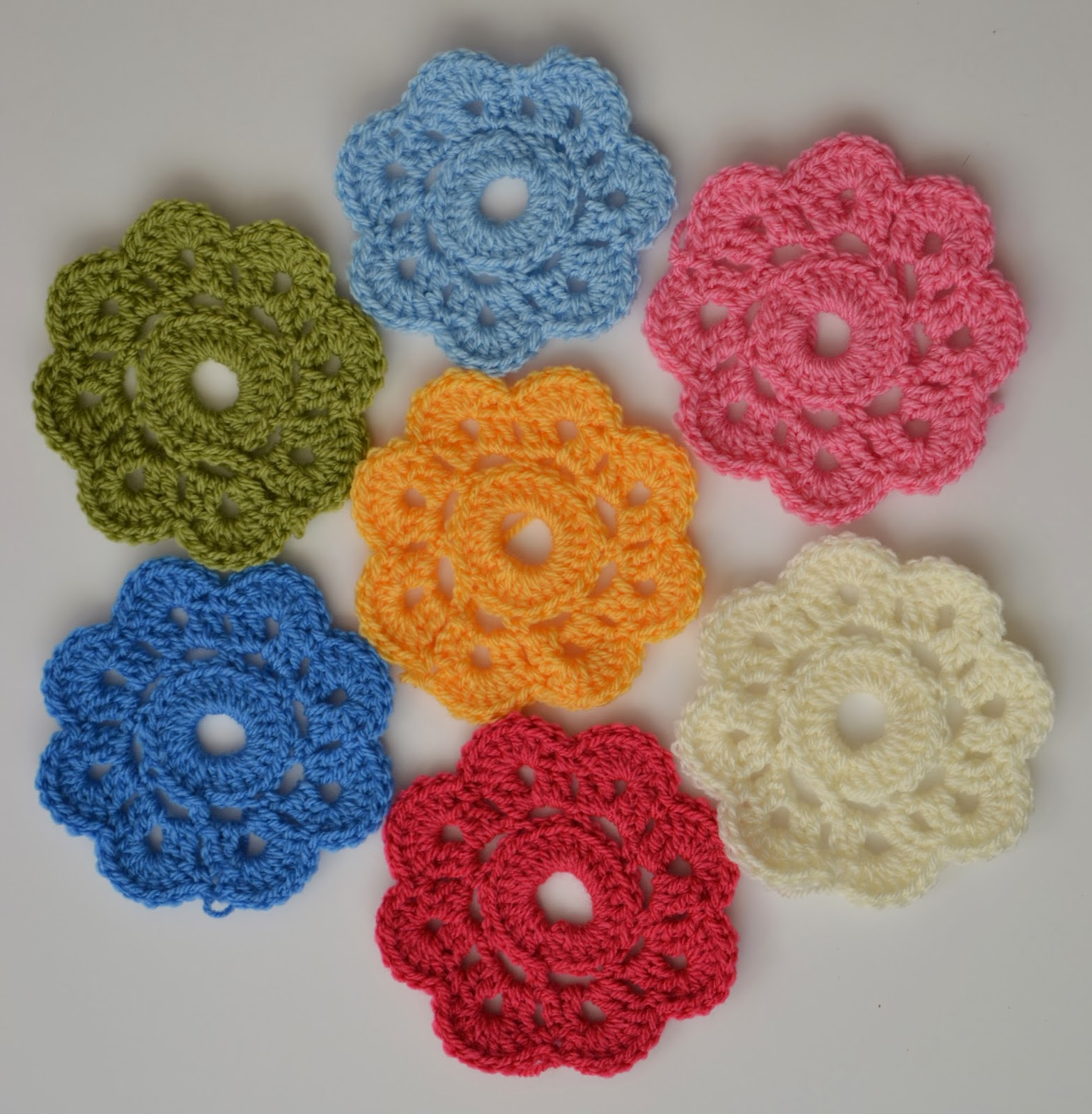 Tadpegs maybelle flowers a fun flower pattern i found this super cute and easy pattern the other day for maybelle flowers i havent made many crochet flowers before i have mostly stuck with granny bankloansurffo Images