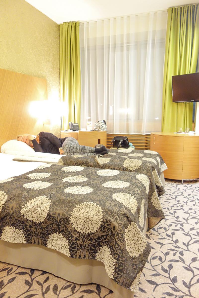 tallink city hotel arvostelu nainen hakee miestä