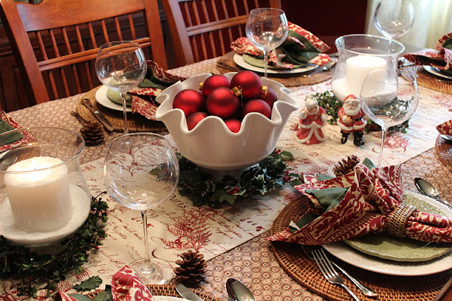 ... Lamington General Store in Bedminster N.J. and bought the prettiest wicker napkin rings. So here is my red and green country Christmas table setting. & 21 Rosemary Lane: My Red and Green Country Table
