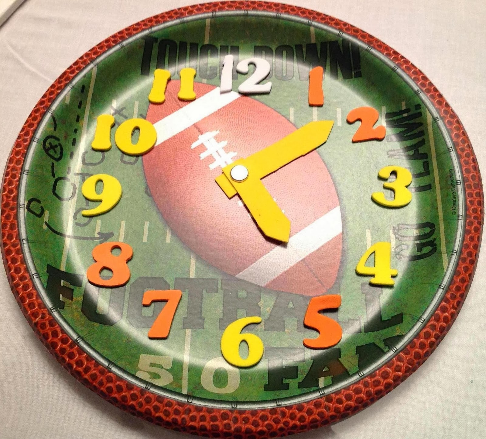 Lots of stores have paper plates with a football theme on the shelves now. Buy some to use for Super Bowl Sunday and use the extras to make fun paper plate ... & Learning Ideas - Grades K-8: Football Theme Paper Plate Clocks