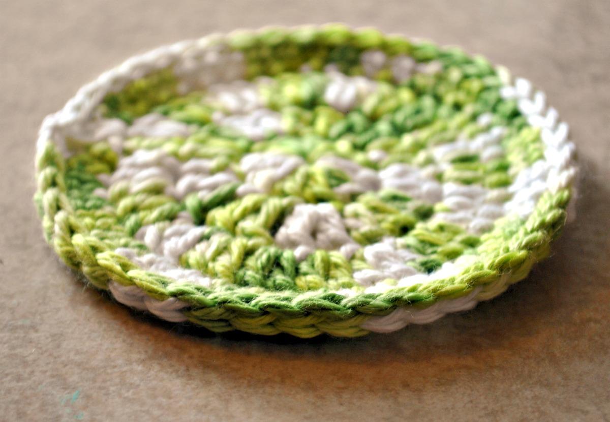 mama\'s little monkeys....: Free Crochet Pattern--Easy Coaster