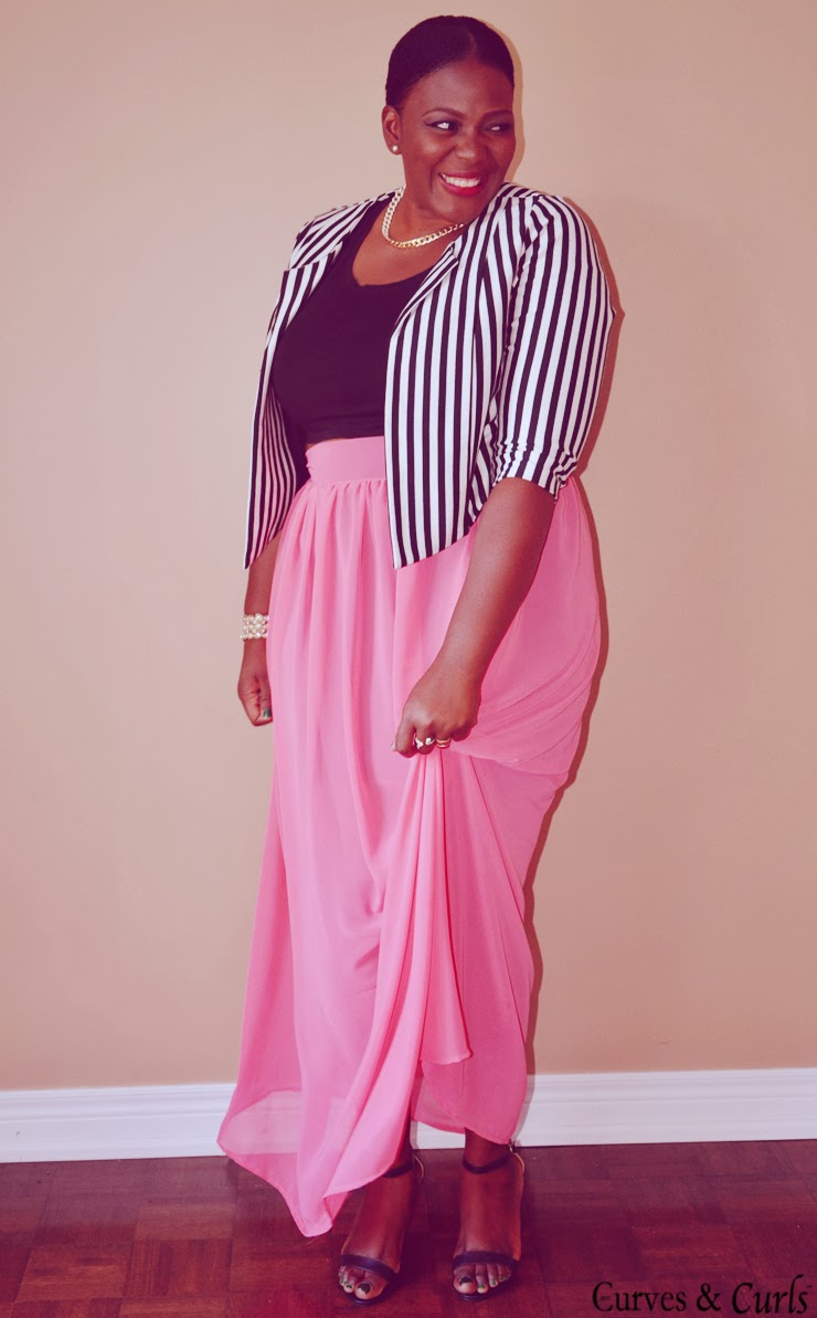 plus size maxi skirt how to wear; #plus size; plus size maxi skirt outfits; plus size cropped top; cropped jacket; Canadian fashion blogger; toronto blogger. my curves and curls blog