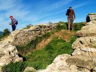 Restes de murs de pedra de l'antic Castell de Gurb