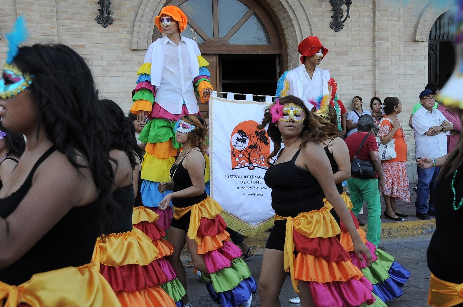 En un marco de alegría miles de matamorenses presencian desfile ...