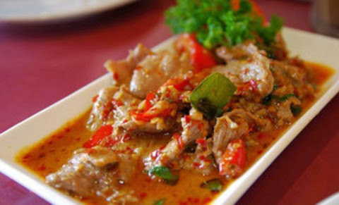 Garlic Chicken with Shrimp Paste and Palm Sugar