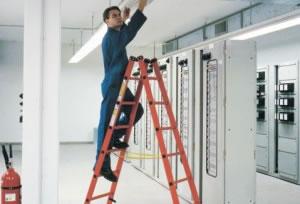 Trabajos con escaleras seguridad y salud en el trabajo for Escaleras portatiles certificadas