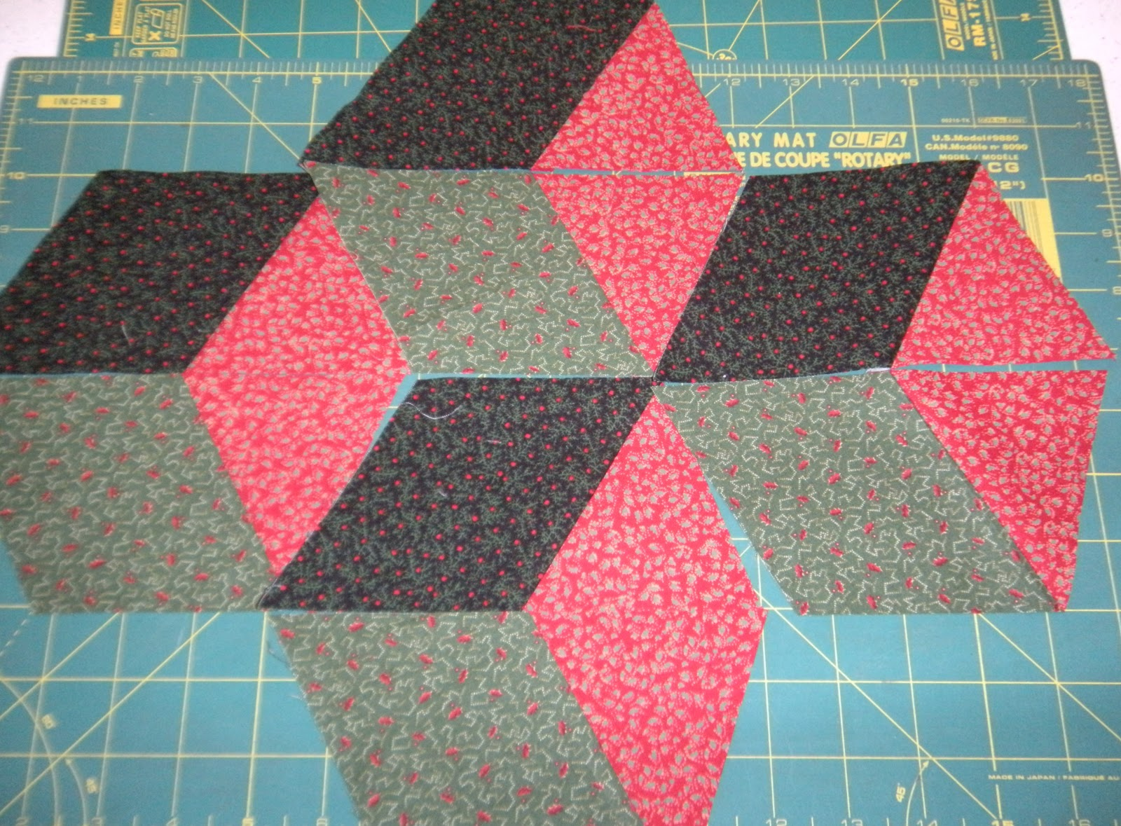 Life in the Scrapatch: Easy Tumbling Blocks Tutorial - Part 1 ... : cutting quilt squares - Adamdwight.com