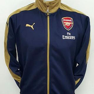 gambar desain terbaru jaket bola arsenal musim depan gambar foto photo kamera Jaket bola Arsenal away warna navy gold terbaru Puma musim 2015/2016 di enkosa sport toko online terpercaya lokasi di jakarta pusat pasar tanah abang