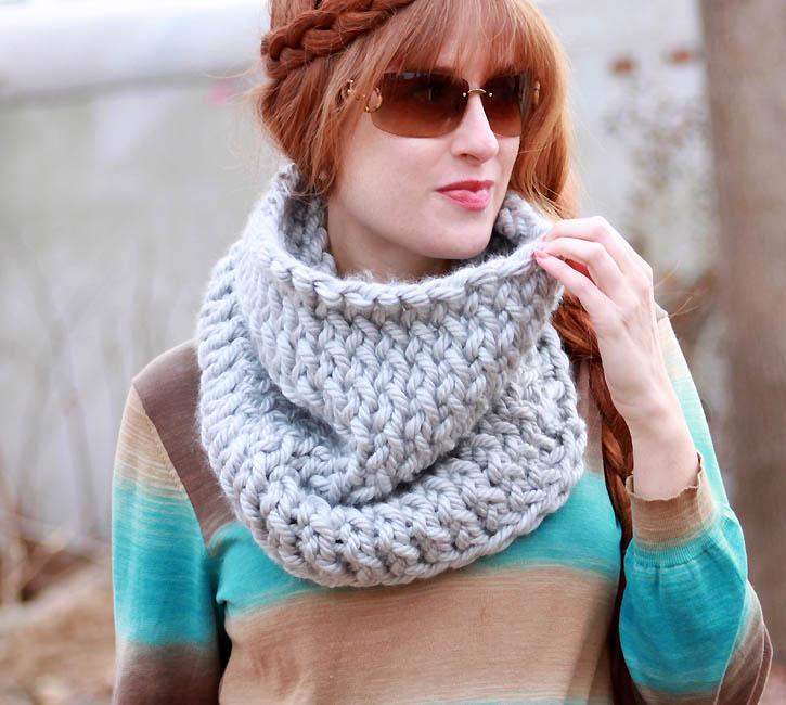 Knitting Cowls : Super chunk cowl knitting pattern gina michele