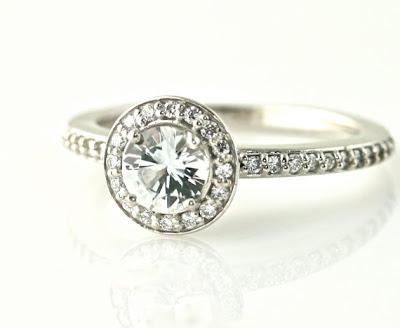 beautiful halo diamond ring