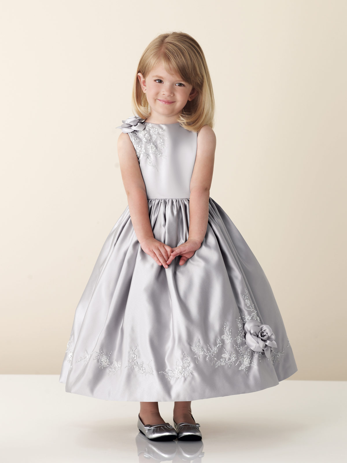 Ideas evening wedding dresses for junior child photos for Wedding dresses for child
