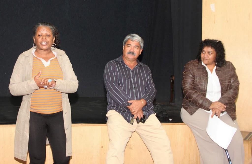 Os convidados Célia David e o ex-prefeito de Tanguá, Carlos Pereira, com Rosayni Batalha: momento de informes na reunião do Conselho Municipal de Defesa dos Direitos da Mulher