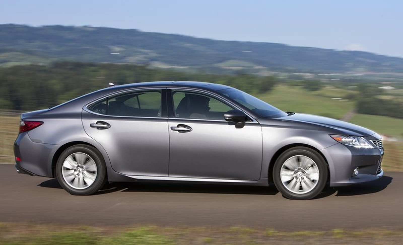 2013 Lexus ES350 Review and