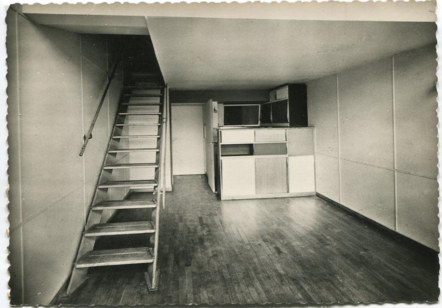 architectures de cartes postales 2 une machine vide habiter. Black Bedroom Furniture Sets. Home Design Ideas