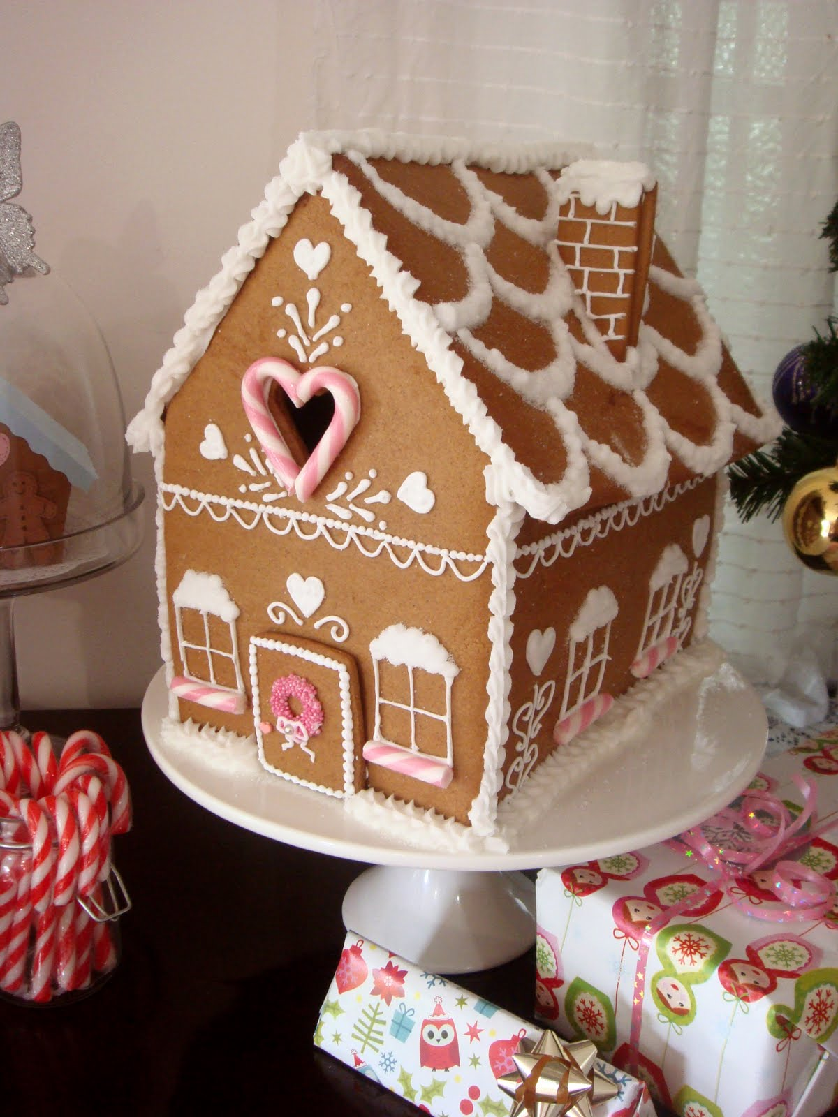 Gingerbread House (Part 2  Decorating And Building)