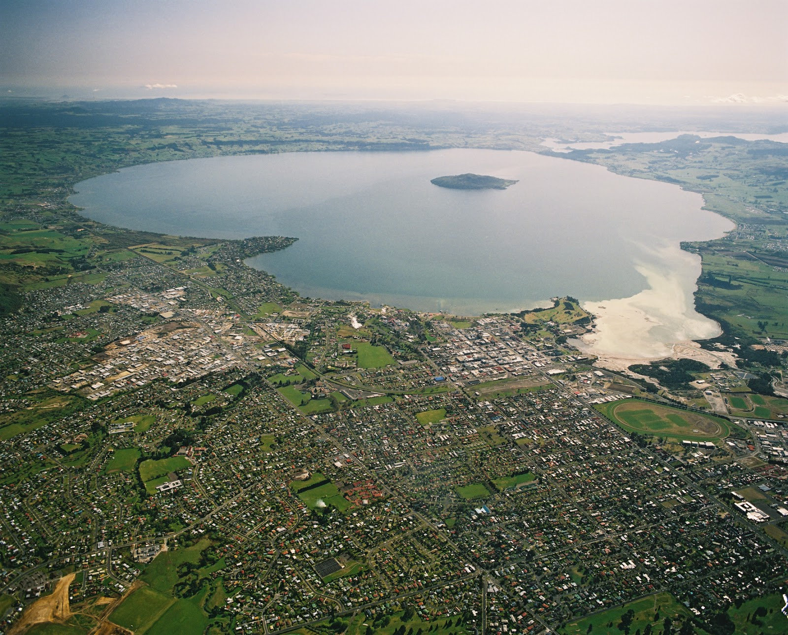 Rotorua New Zealand  City pictures : Travel Trip Journey: Lake Rotorua New Zealand