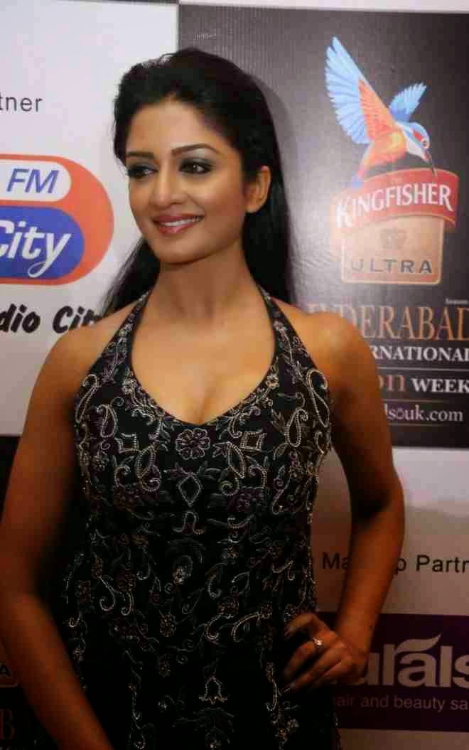 vimala raman latest cute pics