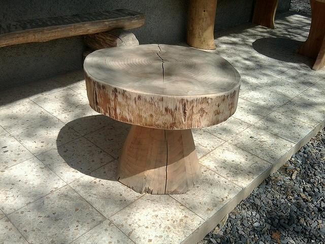 R alisations rondins pyr n es constructions en fuste elagage abattage - Table basse rondin de bois ...