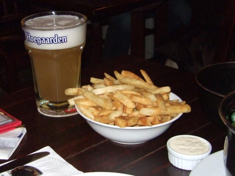 ビール,ポテト,The Occidental Belgian Cafe,NZ〈著作権フリー無料画像〉Free Stock Photos