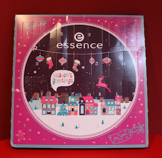 Clothes & Dreams: Essence Advent Calendar 2015: Essence adventskalender 2015