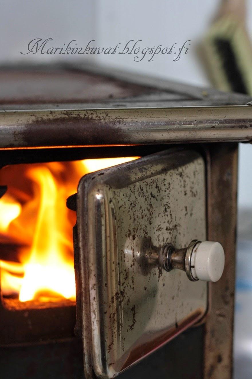 Kesäkummun kotilieden lämmössä....