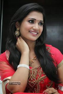 Yasagan-Heroine-Niranjana-Stills-at-Audio-Launch