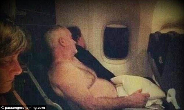 kelakuan dan tingkah penumpang pesawat yang memalukan-7