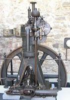 Mesin Diesel Pertama