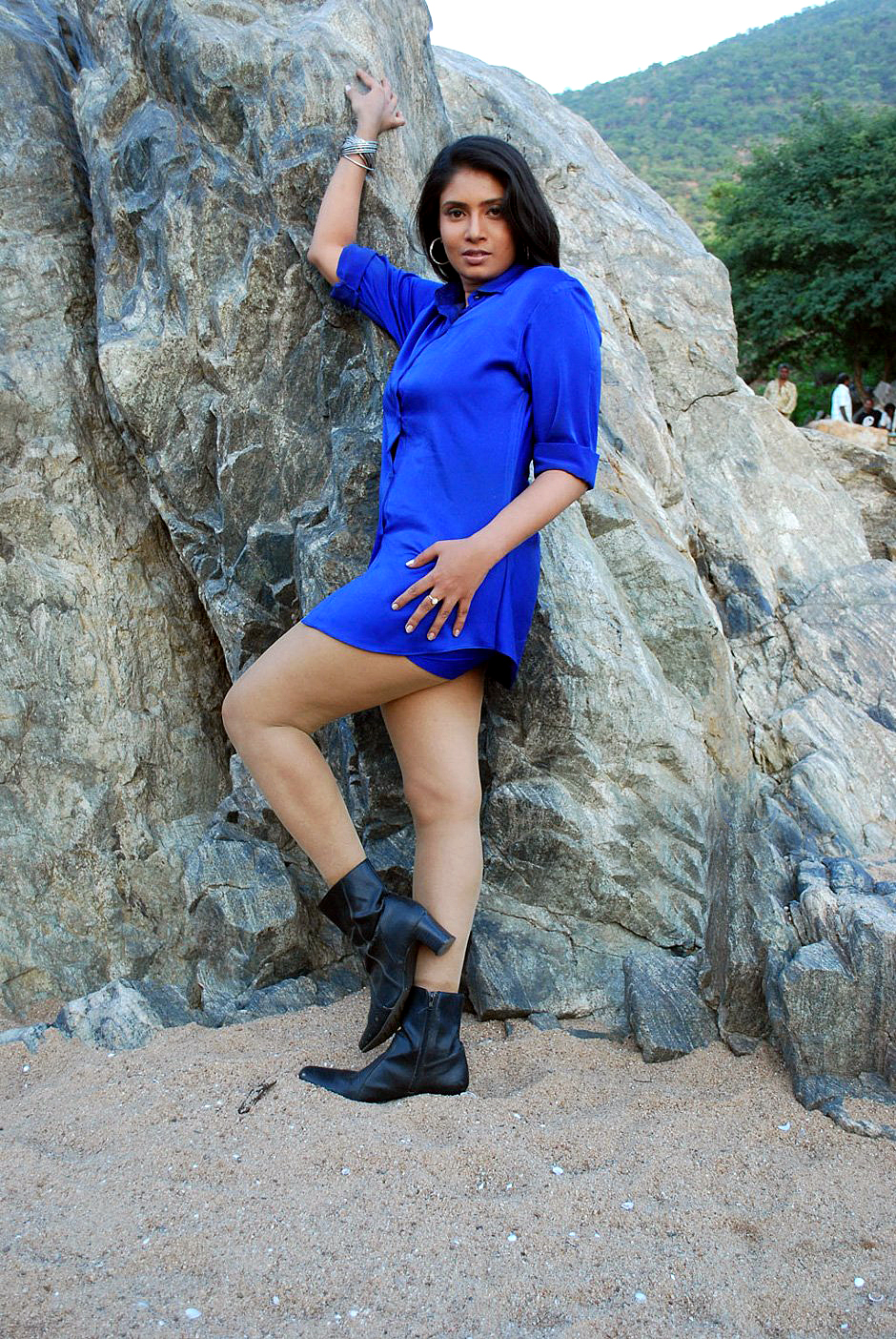 Sexy & glamorous Sangavi latest hot stills in blue