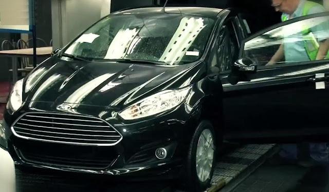Novo Fiesta hatch 2014 - preto