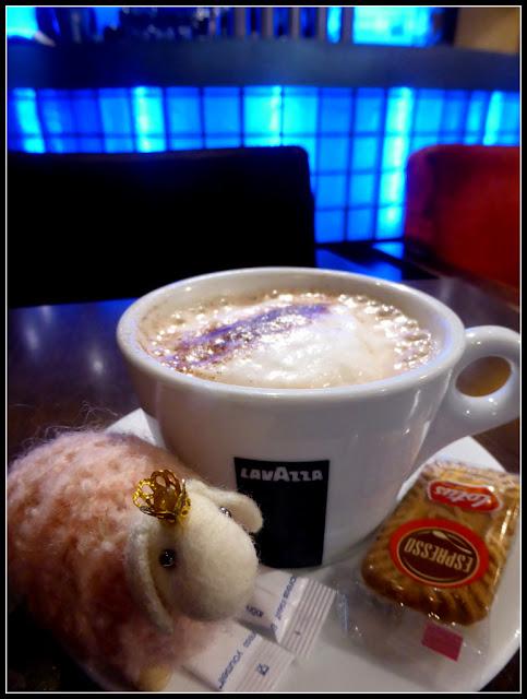 Au chat qui prise Versailles café