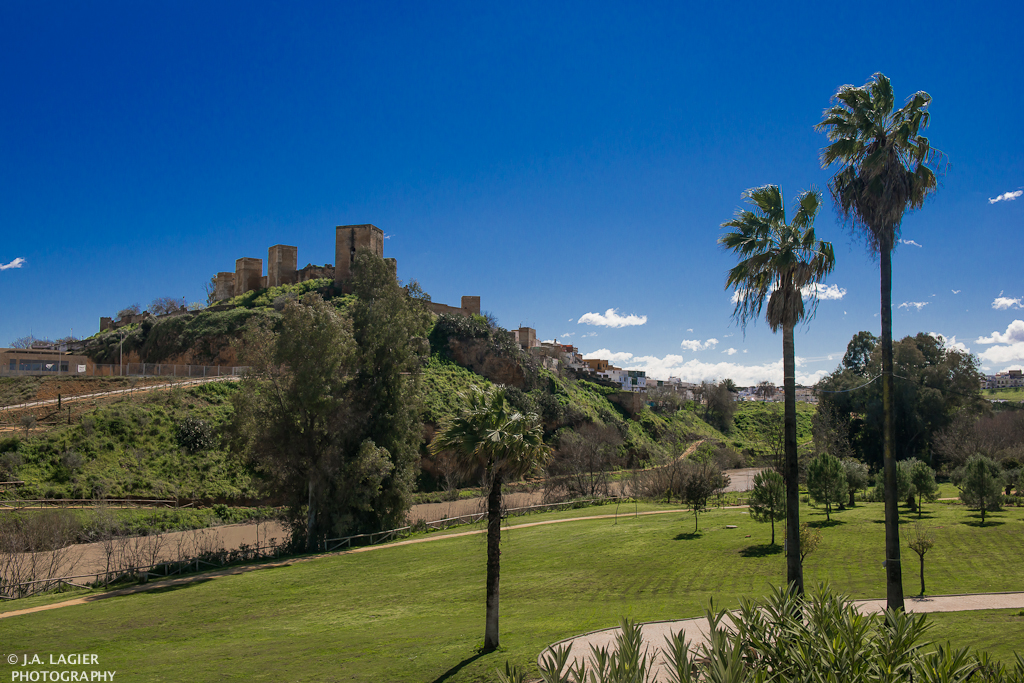 http://www.panoramio.com/photo/117482648