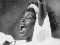 Whitney Houston morre canta Supoer Bowl