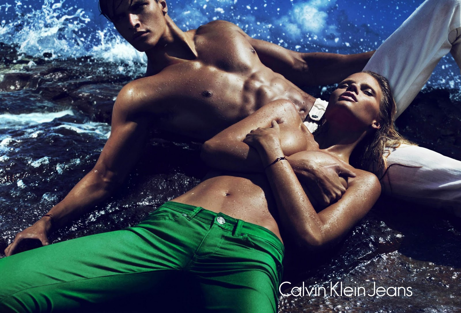 http://4.bp.blogspot.com/-QPxkxSxtTnA/TxgQSAtKsXI/AAAAAAAACOU/5T0v6nJWwmc/s1600/Calvin+Klein+Jeans+Spring+2012+SS12+St+Barts+Lara+Stone+bright+bold+green+denim+trousers+Matthew+Terry.jpg