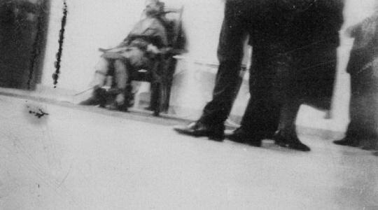Kursi Listrik Eksekusi Mati yang Sangat Mengerikan http://www.opoae.com/2013/02/Sejarah-dan-Kisah-Eksekusi-mati-di-Atas-Kursi-Listrik.html