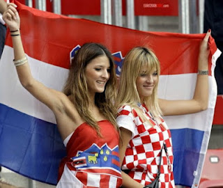 gambar foto cewek seksi euro 2012