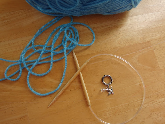Knitting Joining Yarn On Circular Needles : Fiber flux how to knit in the round with circular needles
