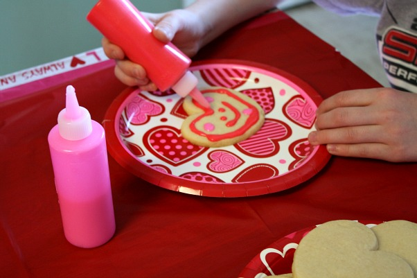 Cookie Decorating Squeeze Bottles Delectable Mommy's Kitchen  Recipes From My Texas Kitchen Valentines Day Review