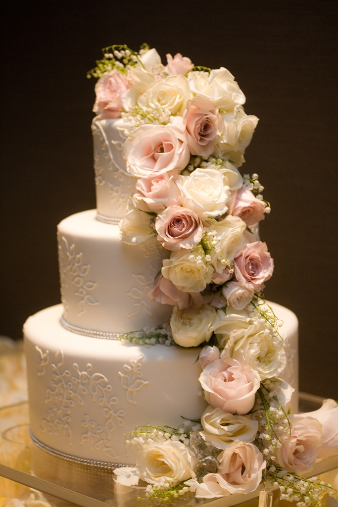 Traditional Wedding Flowers Pictures : Cocoa fig traditional wedding cake with cascading