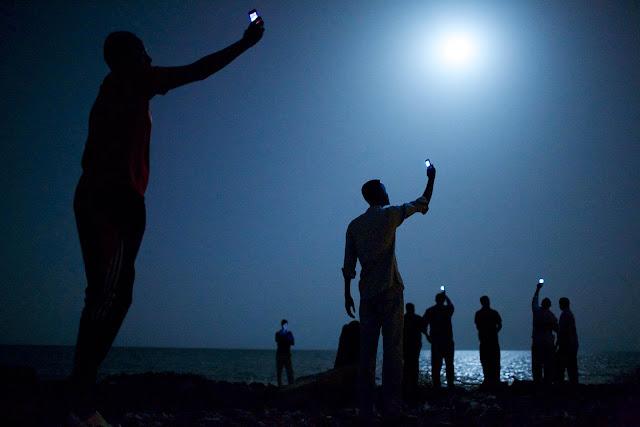 Migranti chytají signál