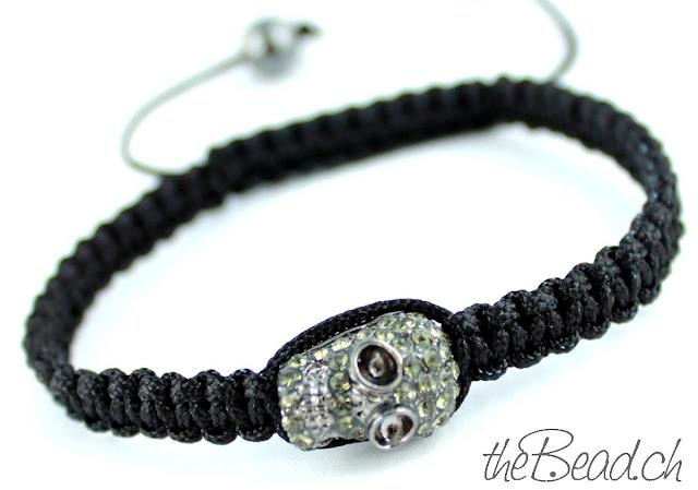 Makramee Armband mit Totenkopf Skull Diamond Strass