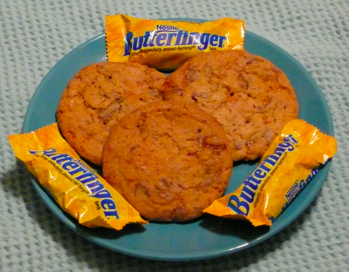 Sarah's Kitchen Adventures: Butterfinger Cookies