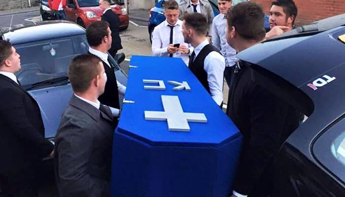 pemakaman pura-pura